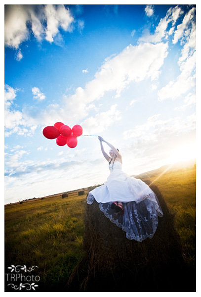 Ballons sunset wedding photography