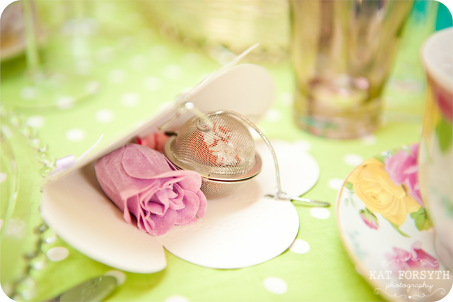 Tea Party wedding by Vintage wedding photographer Kat Forsyth (59)