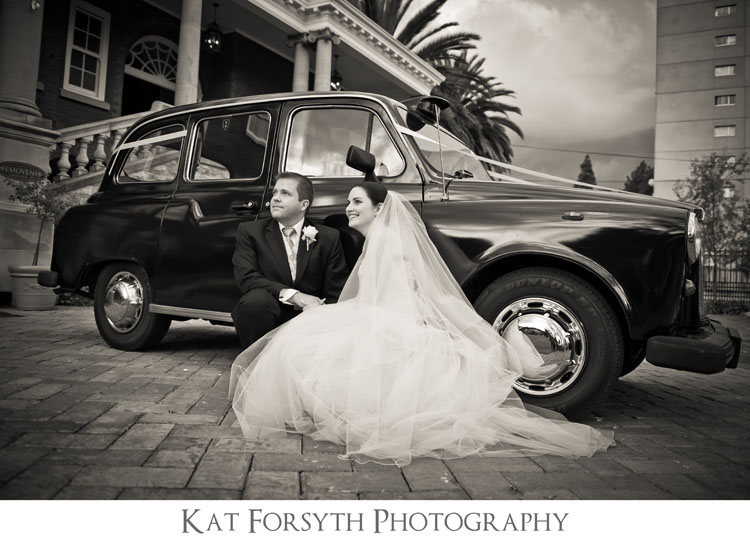 vintage car wedding photo