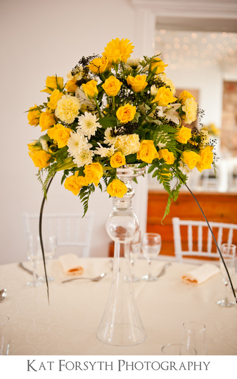 wedding yellow flowers table