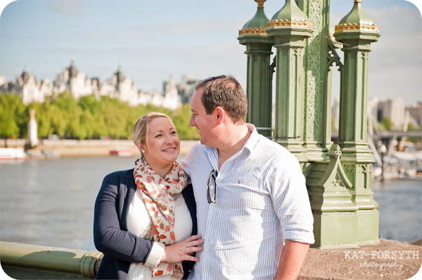 London couple engagement photographer (5)