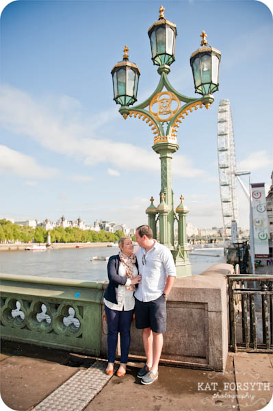 London couple engagement photographer (6)