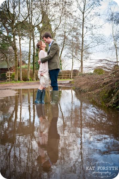 Fun-creative-farm-wedding-photos (3)