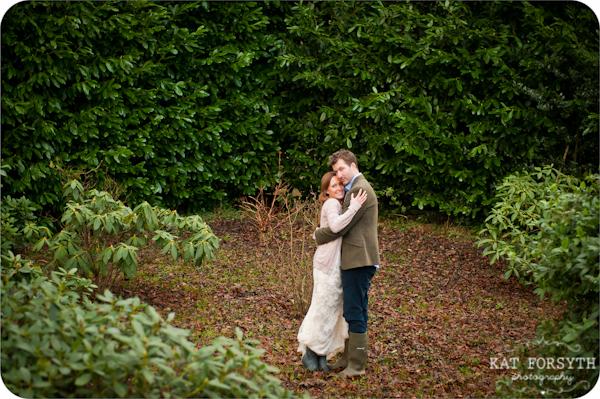 Fun-creative-farm-wedding-photos (5)