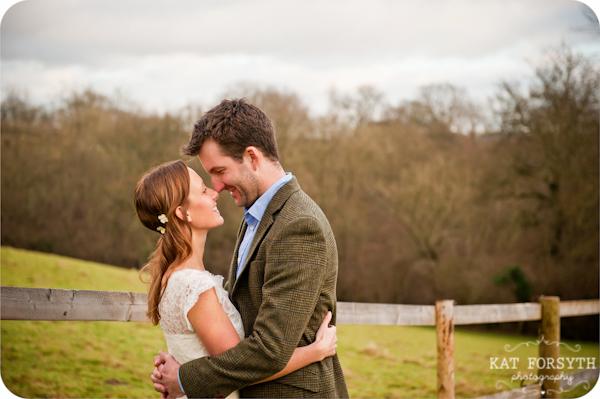 Fun-creative-farm-wedding-photos (7)