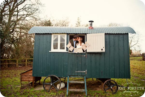 Fun-creative-farm-wedding-photos (9)