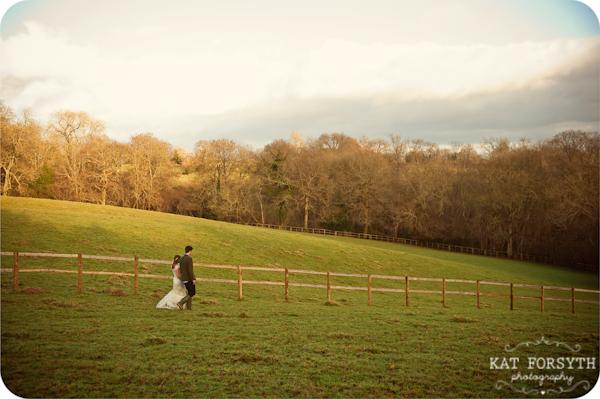 Fun-creative-farm-wedding-photos (14)