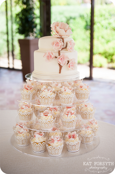 pink cherry blossom wedding cake