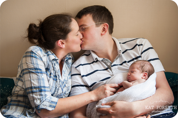 Newborn baby photos with family (12)