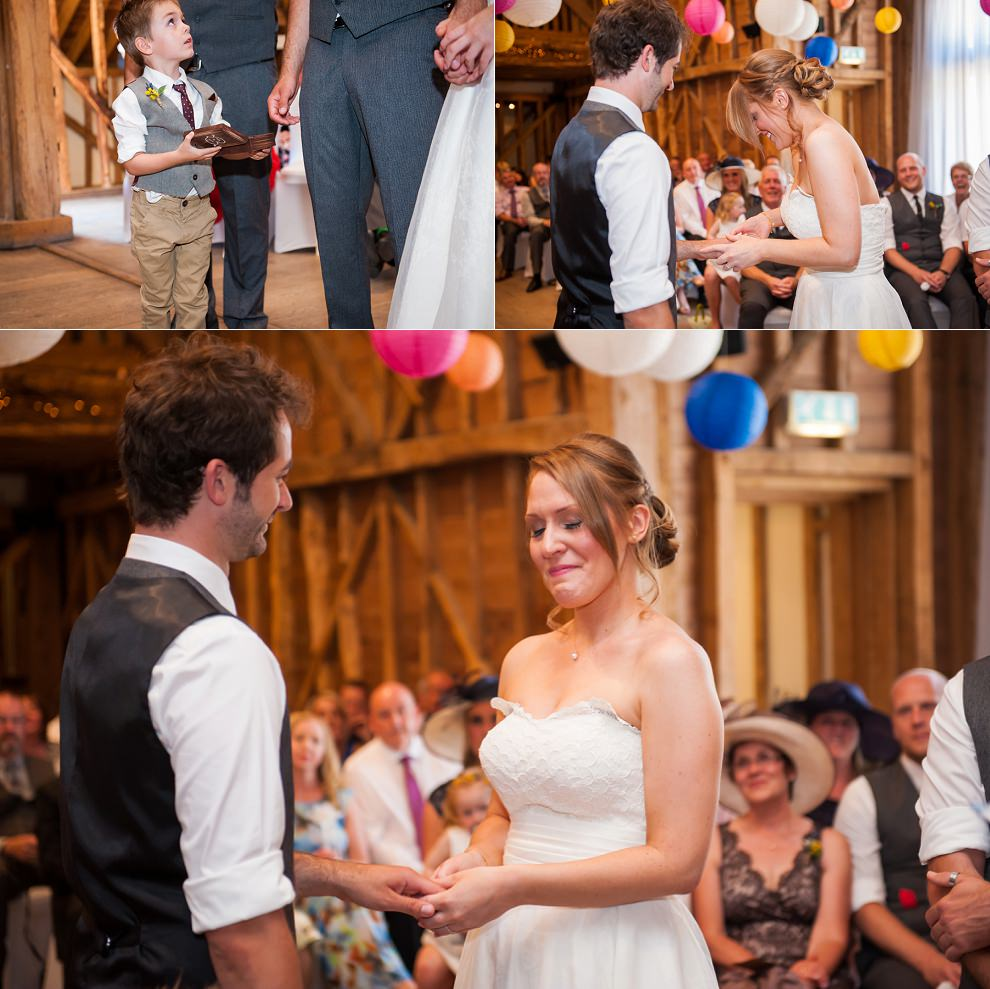 TewinBury-Farm-Barn-Wedding-Fiona-Ian-14