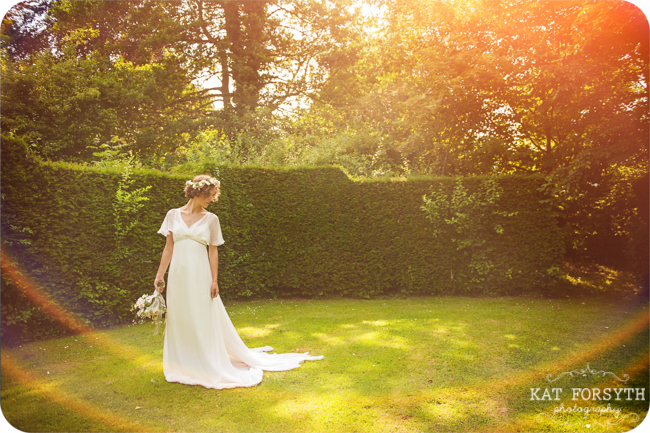 Owlpen Manor Country Garden English Wedding (11)