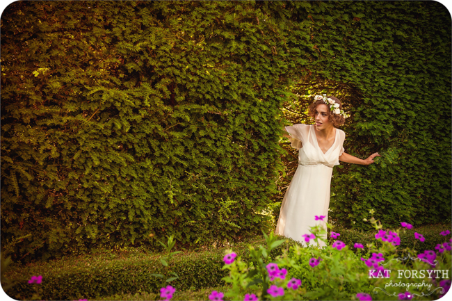 Owlpen Manor Country Garden English Wedding (17)