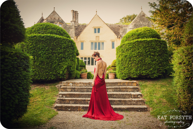 Owlpen Manor Country Garden English Wedding (33)