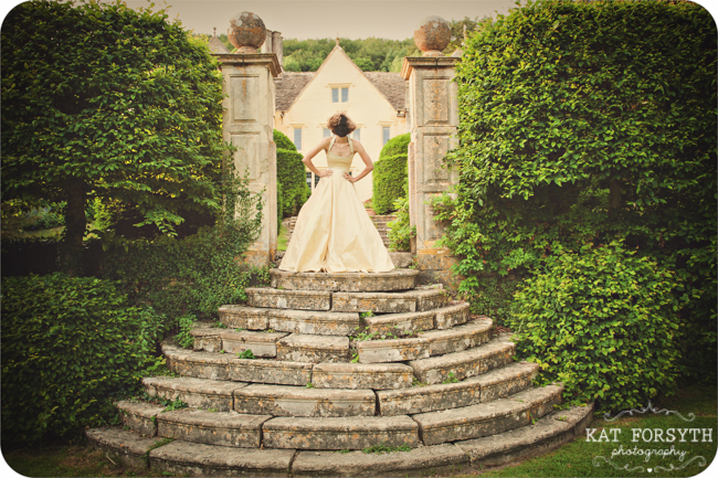 Owlpen Manor Country Garden English Wedding (48)
