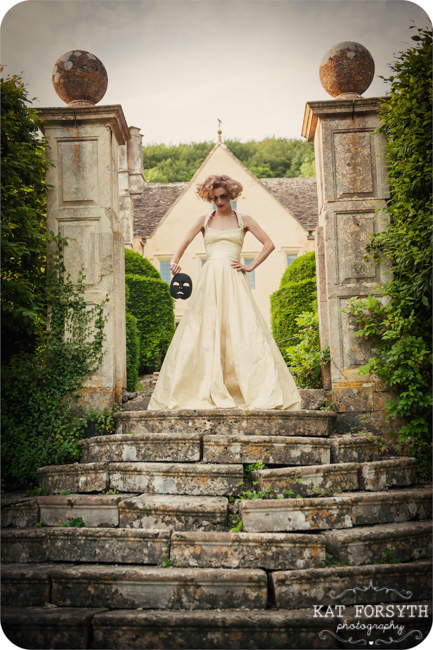 Owlpen Manor Country Garden English Wedding (51)
