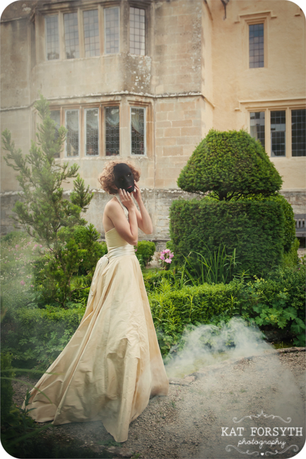 Owlpen Manor Country Garden English Wedding (67)