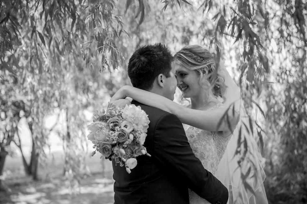 Moreves-Barn-Wedding-Amy-Ben-21