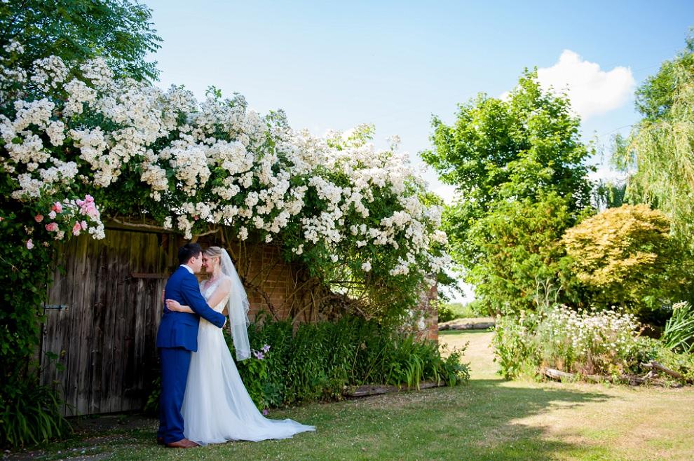 Moreves-Barn-Wedding-Amy-Ben-26