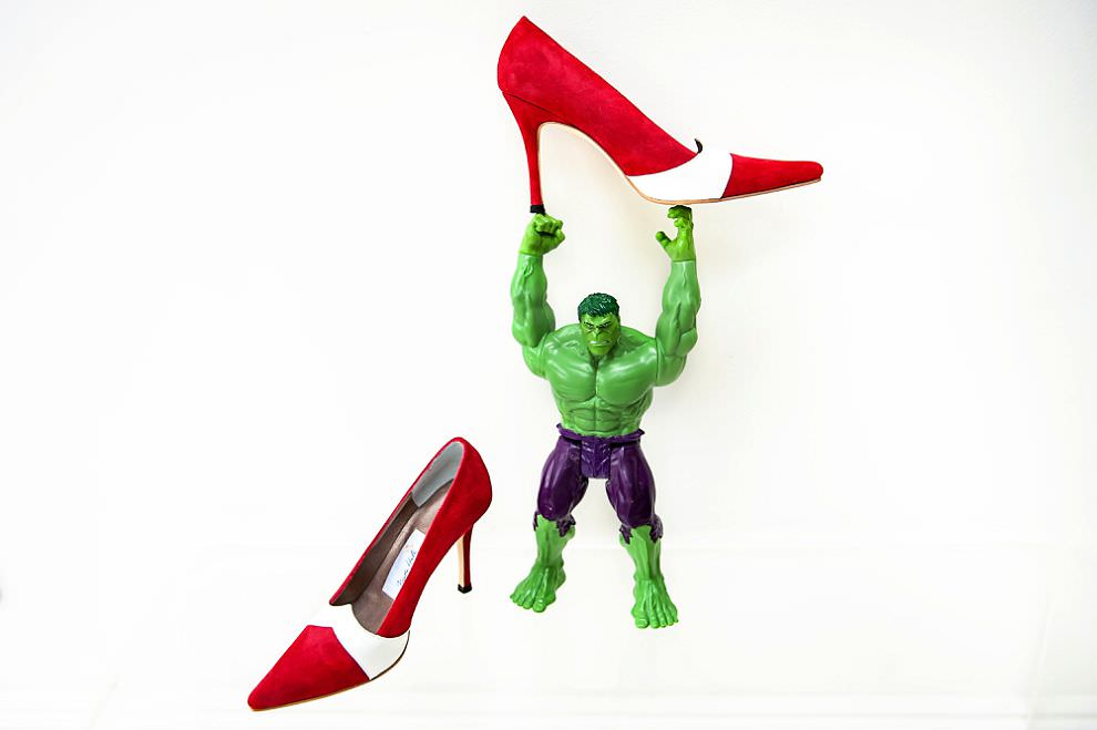 Hulk with red wedding shoes | comic book wedding inspiration