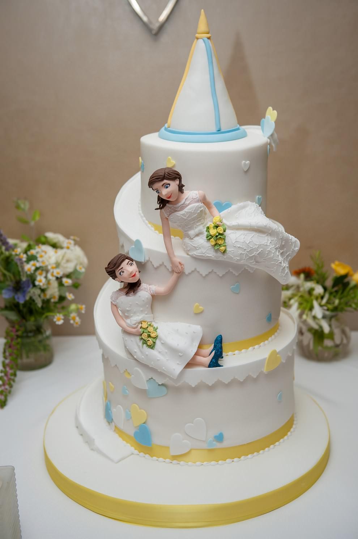 Two brides wedding cake | Gay wedding photographer